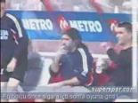Futbolcu Sigara İçip Maça Giriyor