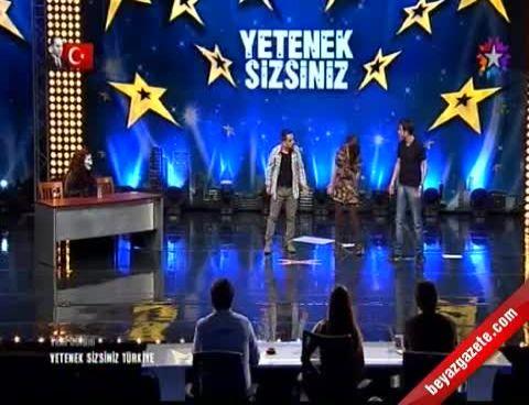Yetenek Sizsiniz Türkiye - Üstad-ı Komikler Salonu Kahkahaya Boğdu