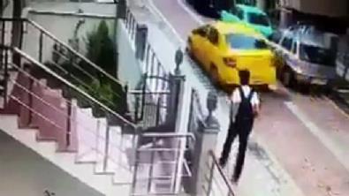 İstanbul Avcılar'da taksi şoförü köpeği ezip kaçtı!