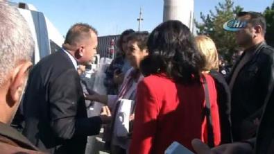 TBMM önünde CHP'li milletvekilleri polis ile tartıştı