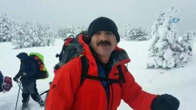 Isparta'nın 2 bin 998 rakımlı Dedegöl Dağı'na 'Afrin' tırmanışı