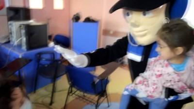 Gölge oyunu ve gösterilerle 'polis sevgisi' aşılıyorlar - ESKİŞEHİR