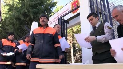 250 temizlik işçisi gönüllü askerlik için başvurdu - UŞAK