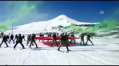 Mehmetçikler kayak öğreniyor - SİVAS