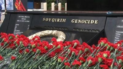 - Azerbaycan Hocalı Katliamı'nı 26. yıl dönümünde anıyor - Azerbaycan Cumhurbaşkanı Aliyev Hocalı Katliamı'nın Anma Töreninde Katıldı