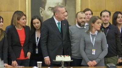 Cumhurbaşkanı Erdoğan'a gazetecilerden doğum günü sürprizi - İSTANBUL