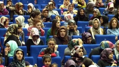 Diyarbakırlı kadınlar tiyatroda buluştu