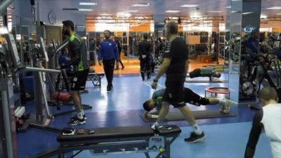 Atiker Konyaspor'da, Malatyaspor hazırlıkları sürüyor