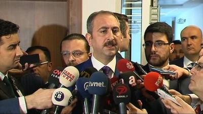 Adalet Bakanı Gül: 'Sözleşmelere, hukuka aykırı bir karar çıkmıştır Çekya yargısından. Konunun takipçisi olacağız. Muhataplarımızdan bu hatayı en kısa sürede telafi etmesini bekliyoruz'