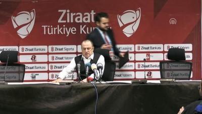 Galatasaray Teknik Direktörü Terim: 'Belki oyun keyifli değil ama skor keyifli, bir avantaj' - MANİSA