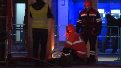 Taksim'de atıl durumdaki aydınlatma direkleri kaldırıldı