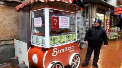 Burhaniyeli Simitçi günlük kazancını Mehmetçik Vakfı'na bağışladı
