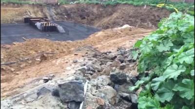 Kadıköy'de inşaat alanında toprak kayması meydana geldi - İSTANBUL
