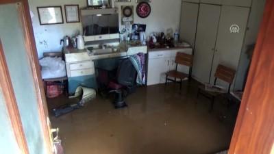 Kuvvetli yağış yaşamı olumsuz etkiledi - ÇANAKKALE