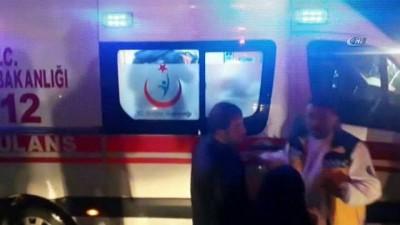 Kocaeli'de kavşakta dönen 2 otomobil çarpıştı: 1'i çocuk 6 yaralı