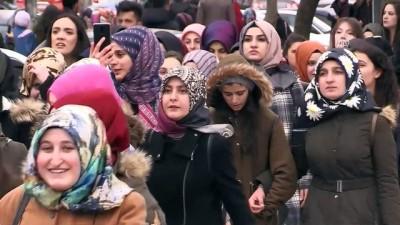 Üniversitelilerden Mehmetçiğe destek yürüyüşü - ERZURUM