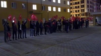 Üniversite öğrencilerinden Mehmetçik'e ışıklı destek - ÇANAKKALE