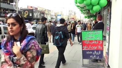 İranlılar Van'daki esnafın yüzünü güldürüyor