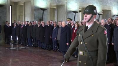 MHP Genel Başkanı Bahçeli, partisinin MYK ve MDK üyeleri ile birlikte Anıtkabir'i ziyaret etti - ANKARA