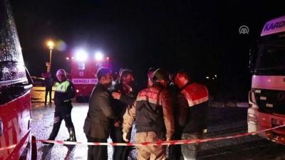 Otomobil su birikintisine devrildi: 5 ölü, 1 yaralı - DENİZLİ