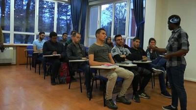 Onlar eğitim için Avrupa'yı değil Türkiye'yi seçtiler