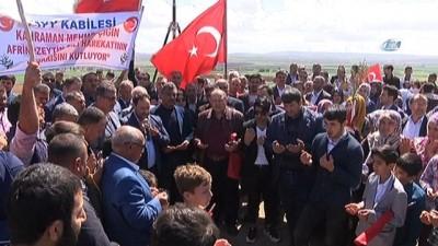 Zeytin Dalı Harekatı Zaferi'ni halay çekerek kutladılar
