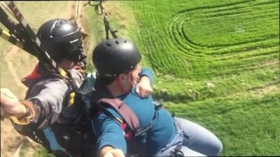 Silopililer ilk kez yamaç paraşütü ile tanıştı - ŞIRNAK
