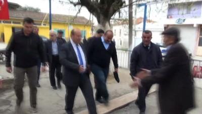 Başkan Özakcan, Kuloğulları Mahallesi'ni ziyaret etti, vatandaşları dinledi