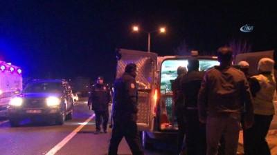 Aynı aileden 6 kişinin hayatını kaybettiği kazada olay yerinden kaçan araç aranıyor