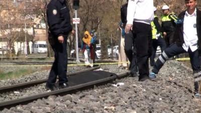 Tren kazası:1 ölü... Ceset, 1 saat sonra olay yerinden tekrar dönen makinistlerin fark etmesiyle bulundu