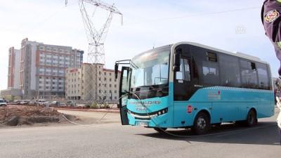 Kopan elektrik teli seyir halindeki otobüsün üzerine düştü - KAHRAMANMARAŞ