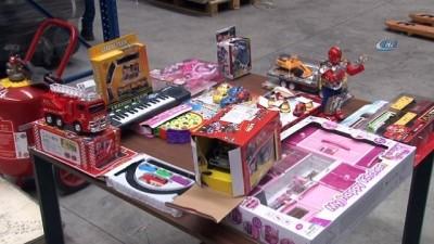 2,5 milyonluk kaçak oyuncaklar Gümrük Muhafaza'da sergilendi