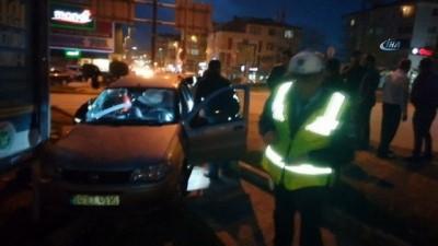 Özel halk otobüsü ile otomobil çarpıştı: 2 yaralı