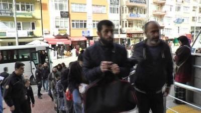 Kocaeli'de DEAŞ üyesi olduğu iddia edilen 12 kişi adliyeye sevk edildi