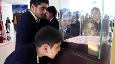 Güney Kafkasya'nın en eski altın takısı Azerbaycan'da - BAKÜ