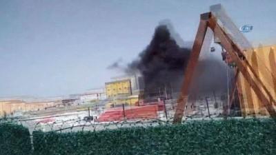 Karaman'da plastik malzeme yüklenen tır alev alev yandı