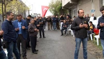 Şehit Uzman Çavuş Samet Tokur'un İstanbul'daki baba ocağına ateş düştü