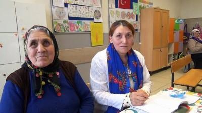 Okuma kursuna giden Silivrili yaşlı kadınların Umre hayali