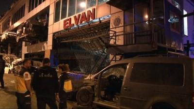 Beton dökülen asma kat işçilerin üzerine çöktü: 2 yaralı