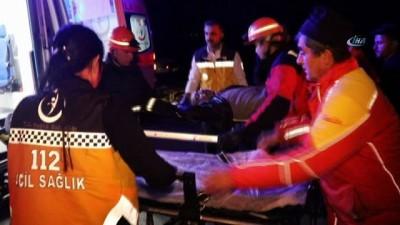 Kamyona çarpan otomobildeki 2 kişi öldü 1 kişi yaralandı