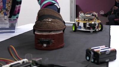 Görme engelliler için 'robotik ev terliği' - VAN
