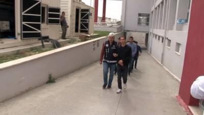 Muvazzaf askerlere FETÖ operasyonu: 40 gözaltı