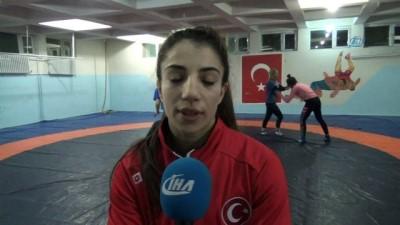 Siirtli Dünya Şampiyonu Evin Demirhan, olimpiyatlara hazırlanıyor
