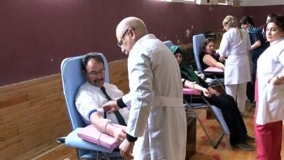 - Bakü Anadolu Türk Lisesi'nde Azerbaycanlı Askerler İçin Kan Bağışı Kampanyası