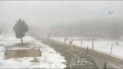 Denizli'de kar yağışı etkili oluyor