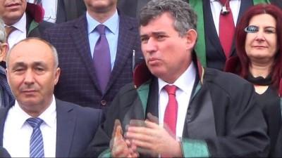 Uşak'ta otopark eylemi yapan avukatların yargılanmasına başlandı