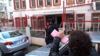 Yeniden yapılanmaya çalışan FETÖ'nün hücre evine düzenlenen operasyonda gözaltına alınan 4 kişiden 2'si tutuklandı