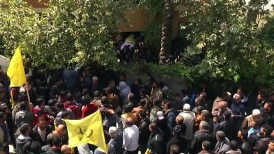 İsrail'in saldırısında şehit olan Filistinli toprağa verildi - GAZZE
