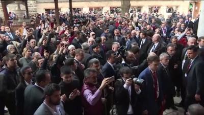 Başbakan Yıldırım'a cuma namazı sonrası yoğun ilgi - SARAYBOSNA