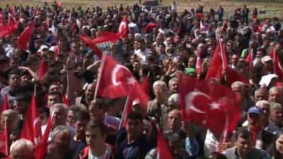 Başbakan Yıldırım: 'Türkiye'yi karalamaya çalışan o çok bilmiş kuruluşların  sesi soluğu kesildi' - İZMİR
